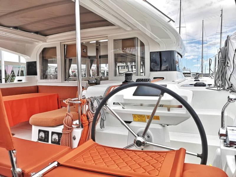 Gobierno-catamaran-Excess12.Atlantik Charter